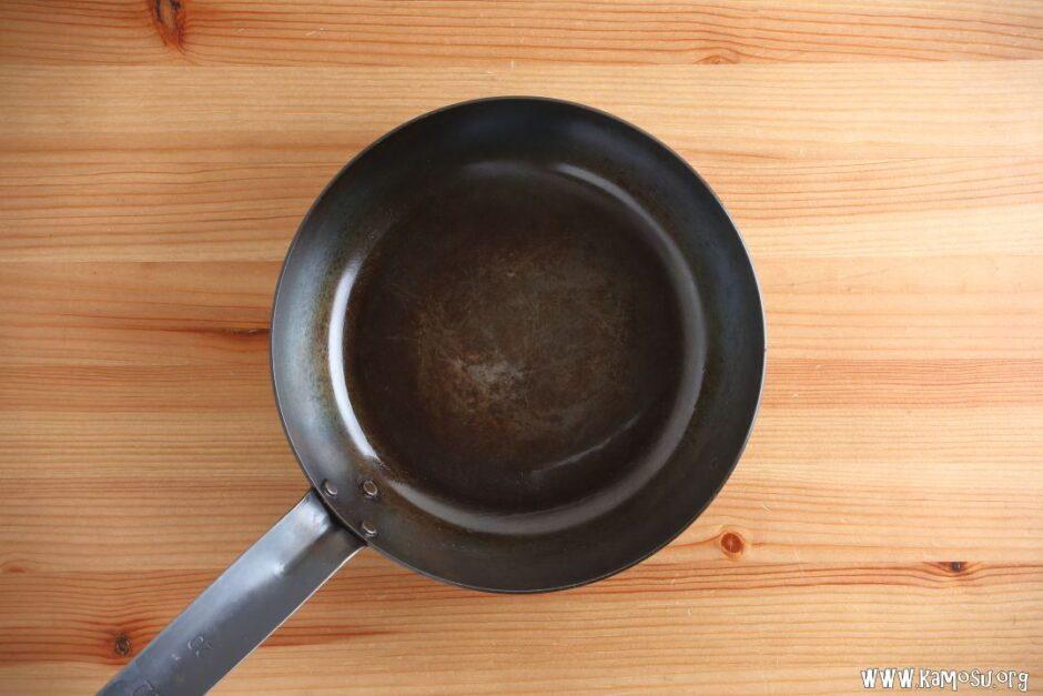 鉄フライパンの洗い方は?