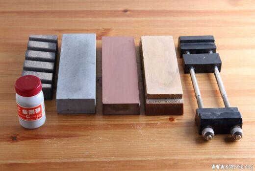 砥石の面直し方法は? 修正砥石と金剛砂の正しい使い方について