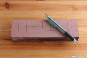 格子状に線を引きます。